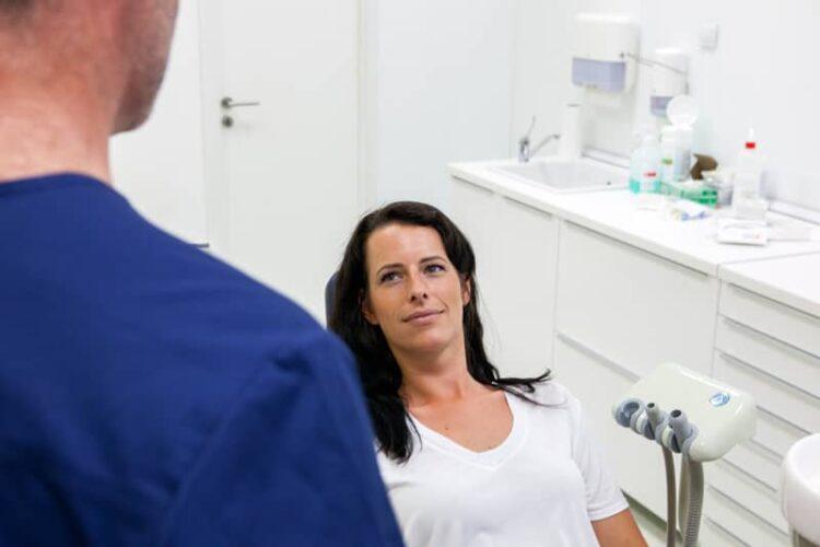 Pasient i tannlegestol